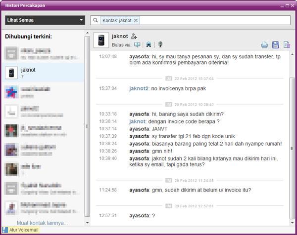 Chat dengan bot Jakarta Notebook di Yahoo Messenger.